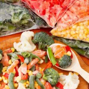 Замороженные овощи, грибы, ягоды и фрукты