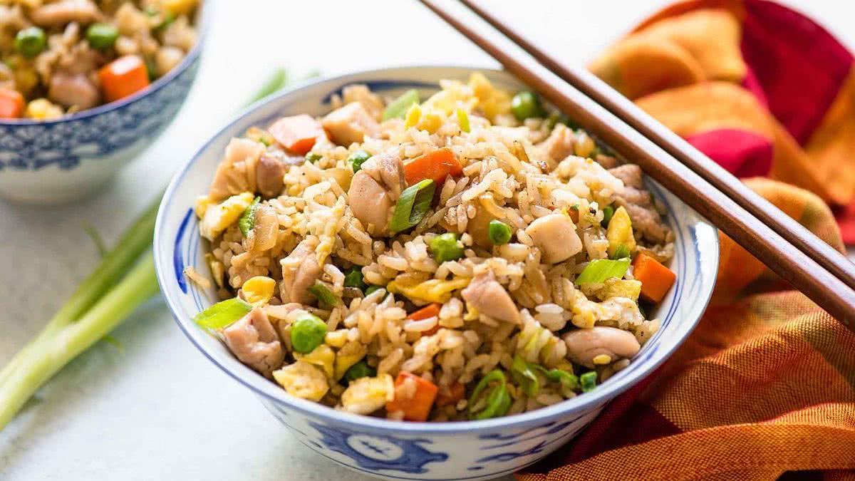 Китайский рис с курицей